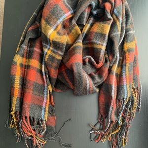Plaid red and grey blanket scarf